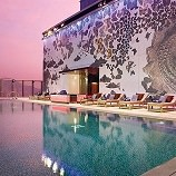 hong-kong-rooftop-swimming-pool